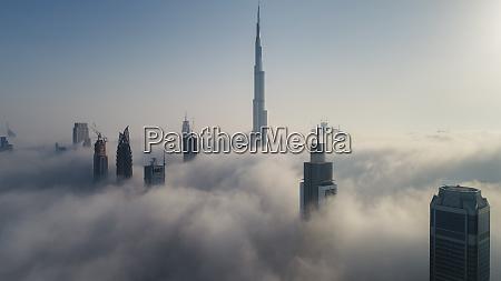 luftaufnahme von wolkenkratzern und burj khalifa