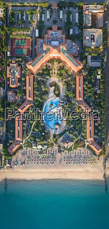 luftaufnahme des fujairach rotana resort and