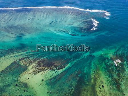 luftaufnahme des korallenriffs mauritius