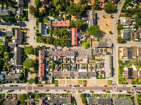 luftaufnahme der ruhigen nachbarschaft zutphen niederlande