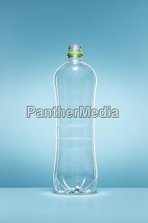 leere plastikwasserflasche