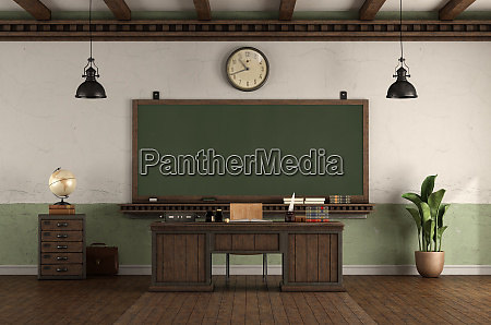 leeres, klassenzimmer, im, retro-stil, mit, tafel - 27467100