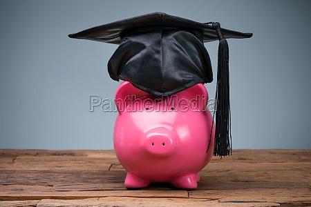 piggybank tragen graduierung hut