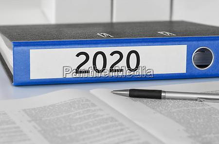 ordner mit dem etikett 2020