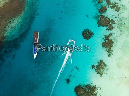 luftaufnahme von booten waehrend der blauen