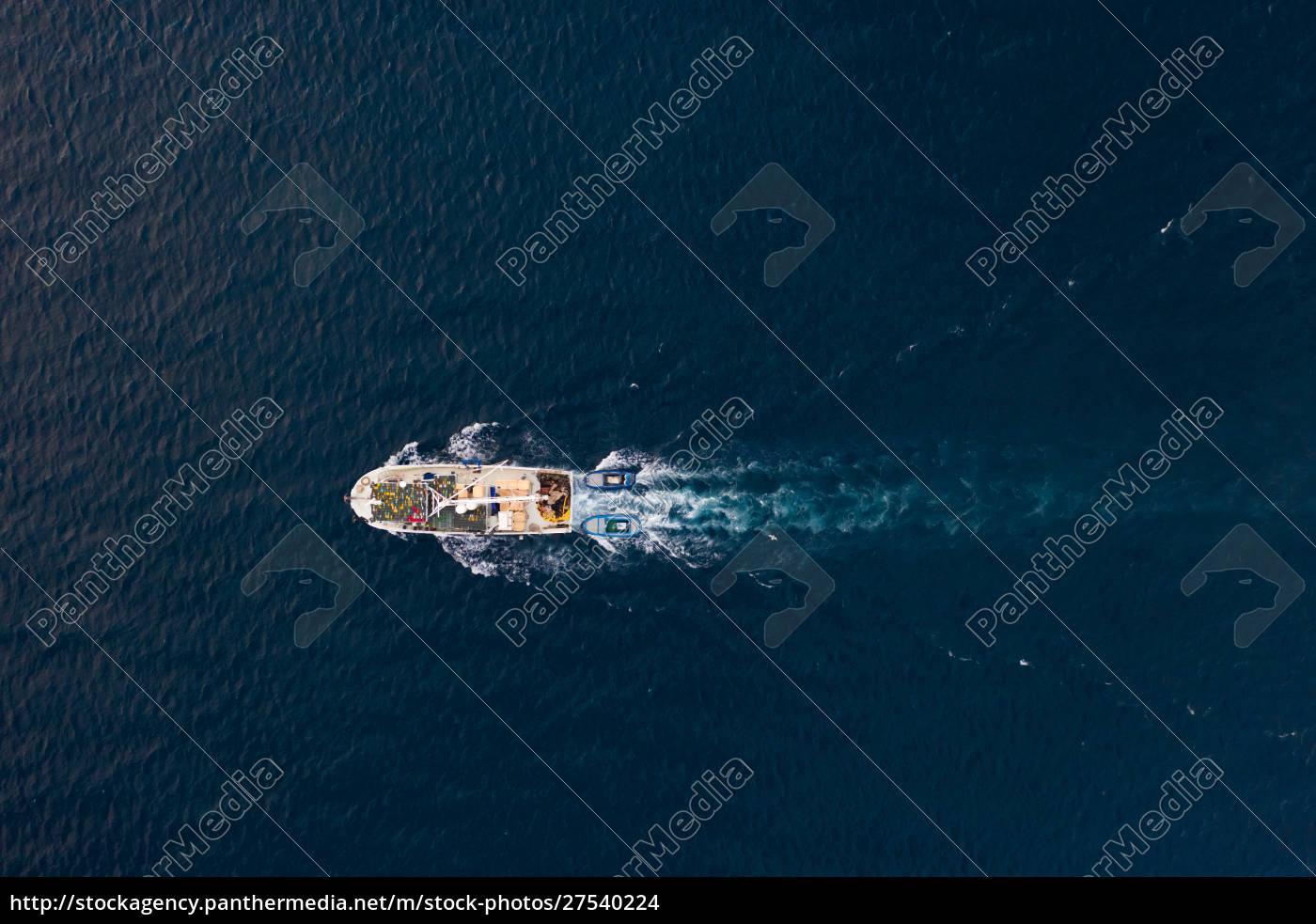 luftaufnahme, des, fischerbootes, segeln, an, der - 27540224