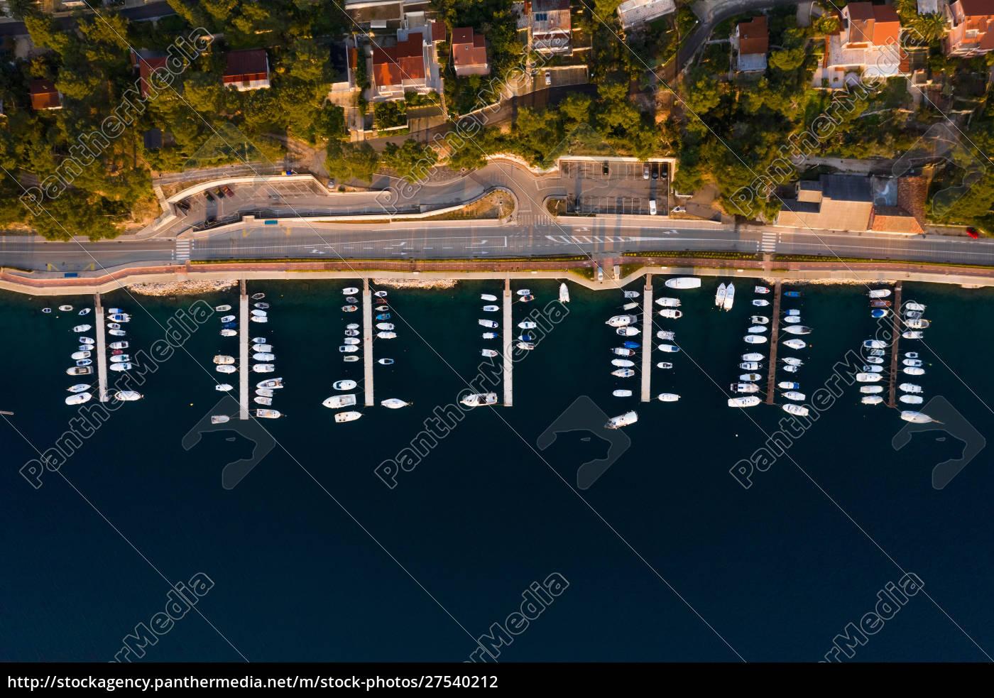 luftaufnahme, von, booten, die, am, yachthafen, in - 27540212
