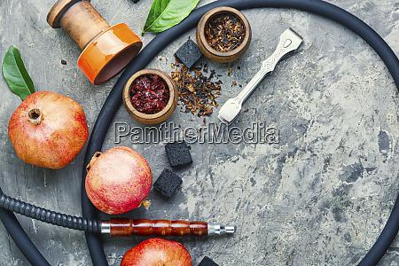 shisha hookah mit granatapfel