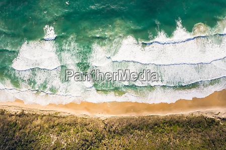 luftaufnahme des versteckten strandes in alexandria