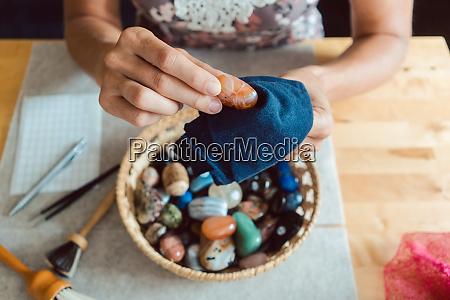 edelsteine steine juwelen staub reinigung hobby