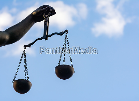 scales of lady justice