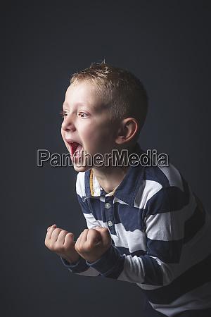 6 jaehrige kind kaukasischen jungen schreien