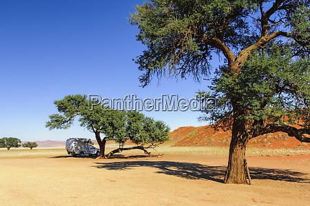 camper in der namib wueste