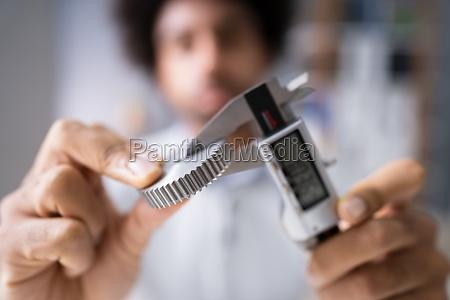 mann messen gear groesse mit digitaler
