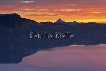 crater lake at sunrise crater lake