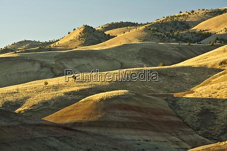 sunrise painted hills john day fossil