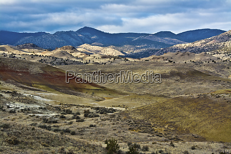 overlook painted hills john day fossil