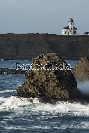 winter storm watching cape arago lighthouse
