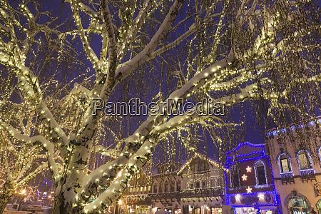 usa washington leavenworth christmas lights brighten