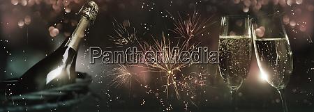 feiern mit feuerwerk und champagner