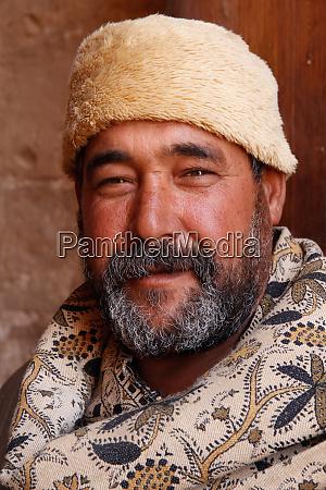 egypt abu simbel egyptian man in