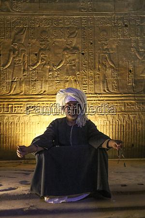 egypt edfu inside egypts temple of