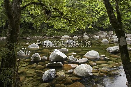 boulders and mossman river mossman gorge