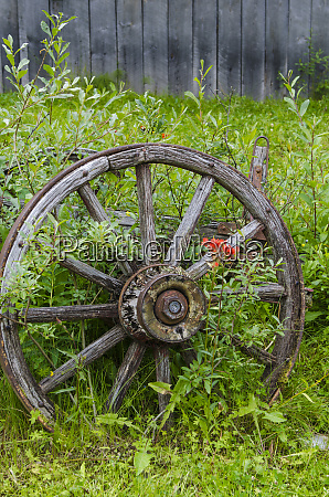 old wagon wheel in historic old