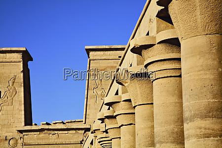 saeulen und pylonen tempel von philae