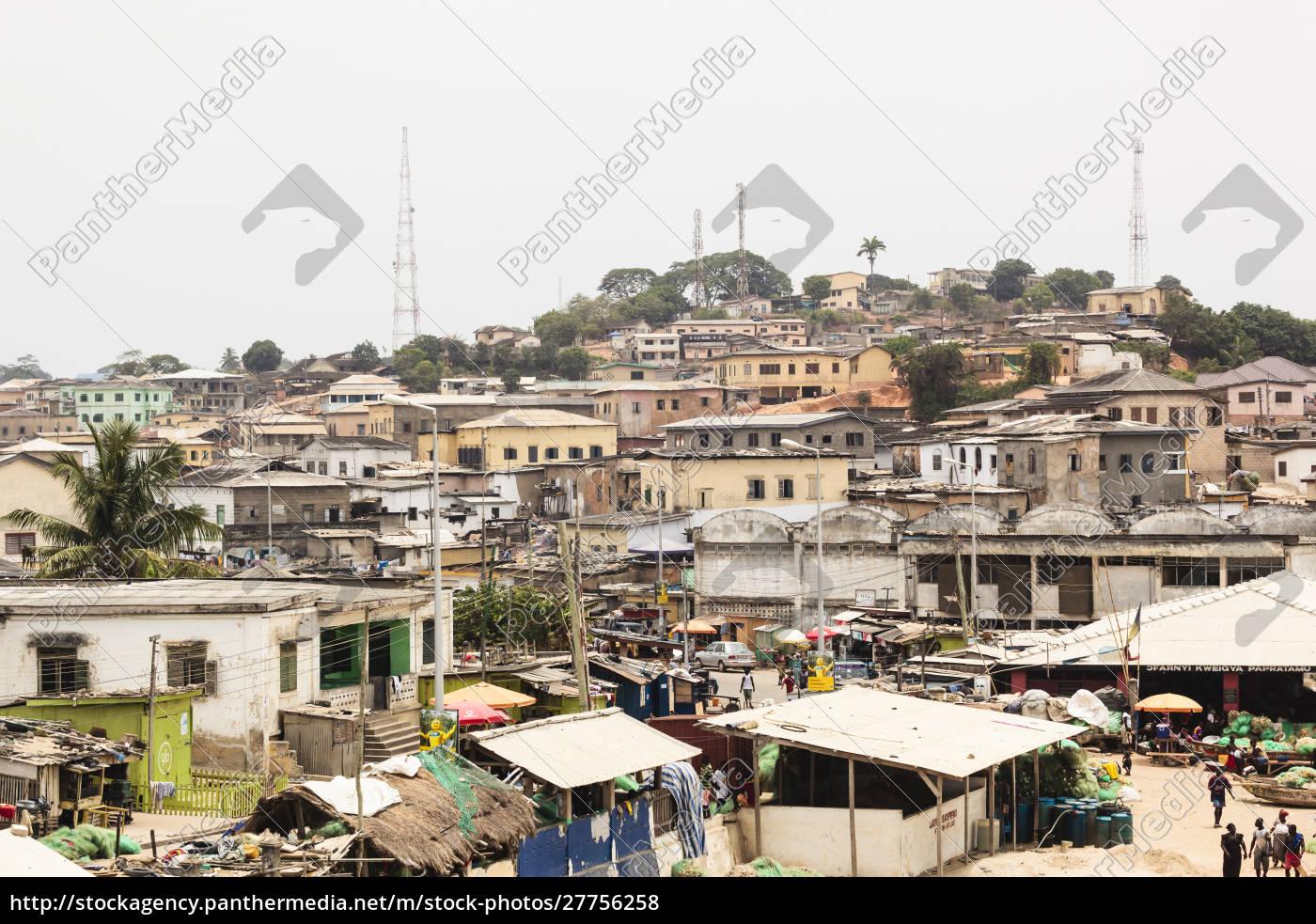afrika, westafrika, ghana, kapküste, elmina., blick, auf, geschäfte, und, häuser - 27756258