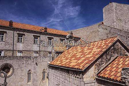 dubrovnik kroatien dubrovniks alte mauer terrakottadaecher