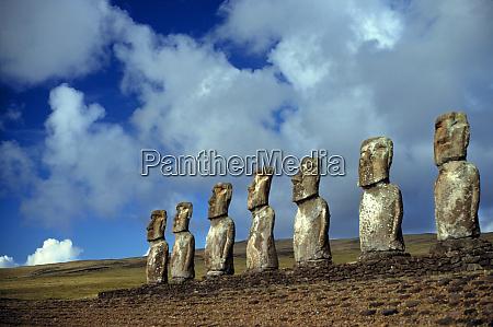 suedamerika chile osterinsel die moai statuen