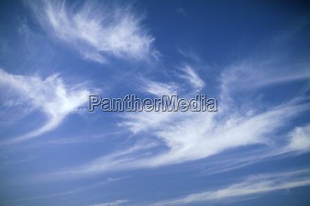 usa hawaii blue sky and whispy