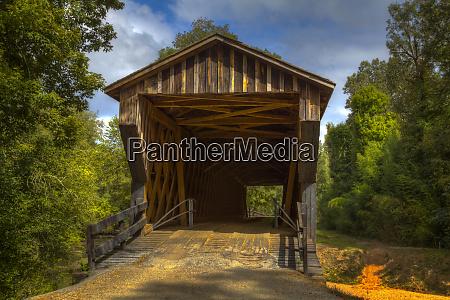 usa georgia oldest wooden covered bridge