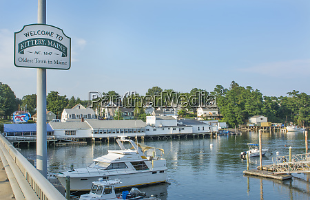 kittery maine sign of welcome and