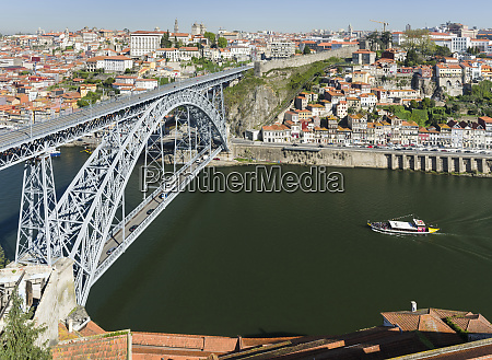 view from vila nova de gaia