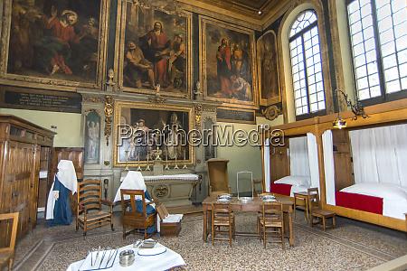hotel dieu interior beaune burgundy france
