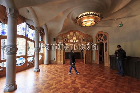 swirling roof designs of casa battlo