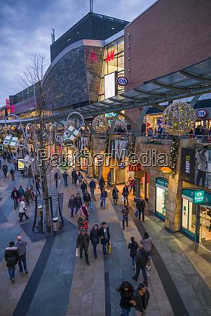 netherlands rotterdam beursplein shopping district