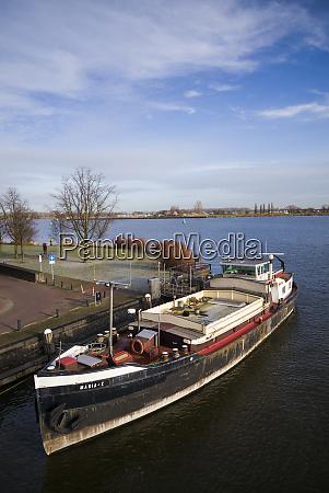 netherlands amsterdam eastern docklands spoorweg basin