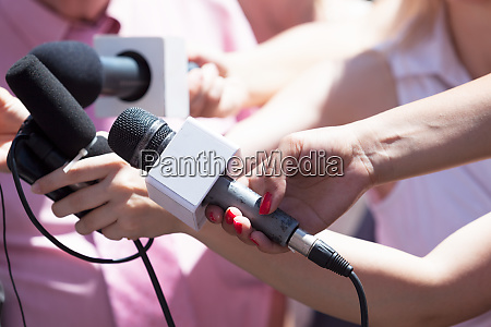pressekonferenz medieninterview