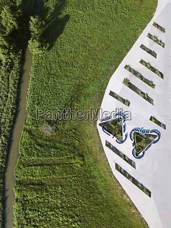 luftaufnahme des oeffentlichen parks in sergiev