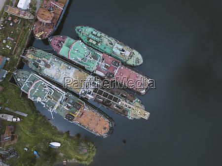 drohnenaufnahme von schiffen im ladoga kanal