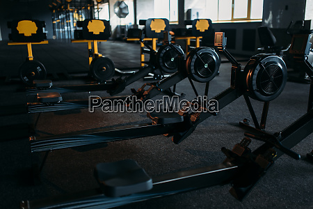 gym niemand leerer fitness club trainingsmaschine
