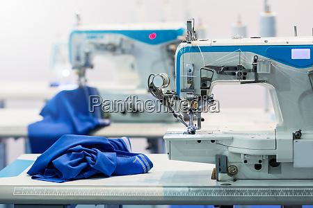 naehmaschinen niemand tuchindustrie fabrikproduktion naehen herstellung