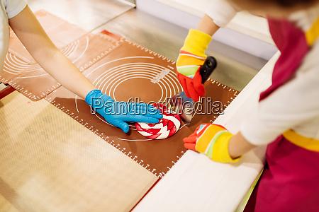 lollipop, vorbereitungsprozess, kind, macht, karamell - 28095253
