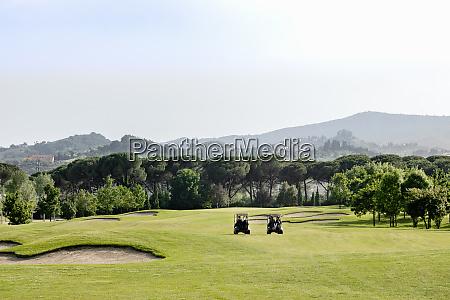 buggys auf dem golfplatz