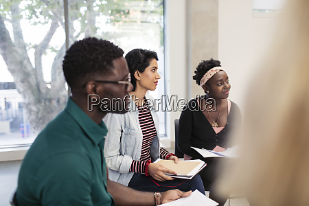 attentive, business, people, listening, in, meeting - 28127368