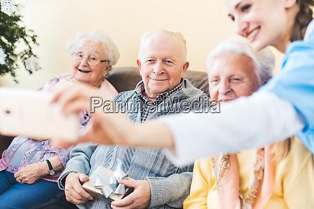 weihnachtsgeschenke fuer senioren im pflegeheim