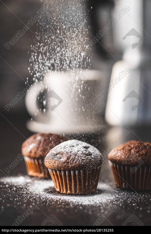 leckere, schokoladen-muffins., süße, cupcakes. - 28135255
